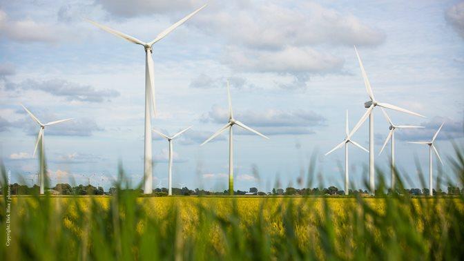 Special topic: Energy; Photo Copyright Dirk Hinz / photocase.com